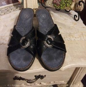 EUC Ariat Black & Silver Conch Slide Wedge Sandals